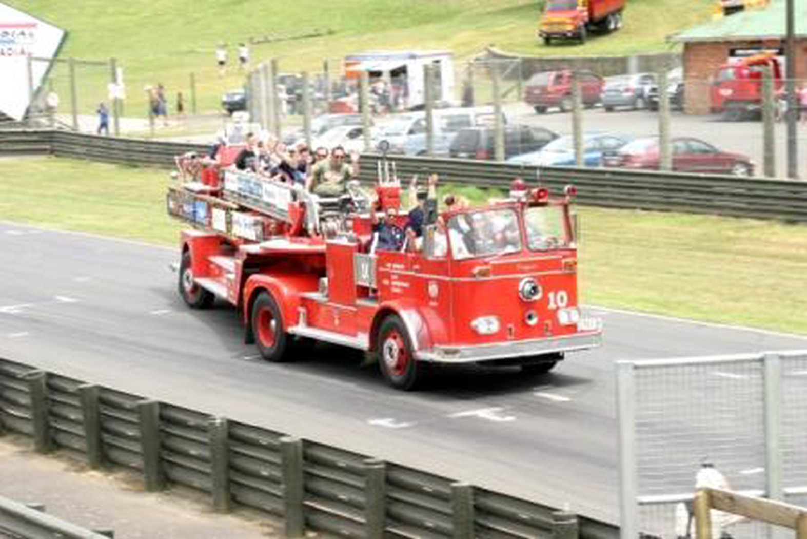 fire truck [Desktop Resolution].jpg